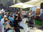 Voluntaris i aprenents de Santa Coloma de Gramenet a la Setmana del Llibre en Català